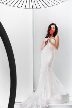 La sposa deve essere raggiante, sicura di sé, a proprio agio.  Personalità e bellezza usciranno fuori senza manco accorgersi.