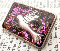 Pink Hummingbird Glitter Resin Brooch  Handmade by wiggelhevin