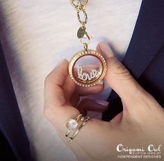 Show Your Elegance by Wearing Living Lockets:  Now-a-days every person across the world, mostly youngsters want to look attractive and stylish where ever they go.