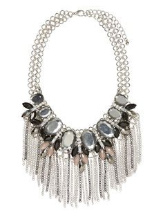 Statement necklace from VERO MODA. The ultimate party accessory!