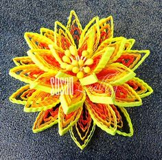 Crimped quilled flower