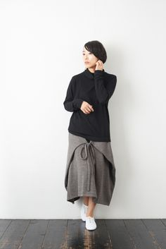 SARAXJIJI ソフトウール フォールドスカート(2color) - poooL (online shop) Skirt Patterns Sewing, Hijab Outfit, Fashion Sewing, Diy Clothes, Natural Linen, Fashion Dresses, Normcore, My Style, Womens Fashion