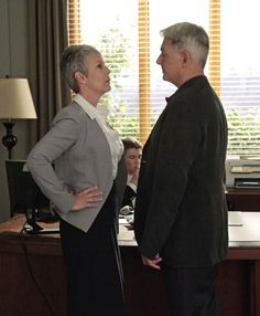 NCIS - Dr. Ryan and Gibbs - an unlikely romance!