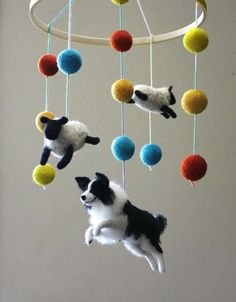 Border Collie mobile I can think of about a dozen people who would LOVE this! - Trockenfilzen - Dogs - Border Collie mobile I can think of about a dozen people who would LOVE this! Needle Felted Animals, Felt Animals, Wet Felting, Needle Felting, Border Collie Colors, Border Collies, Felt Crafts, Kids Crafts, Luminaire Original