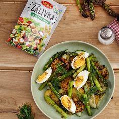 Odoláte tejto dobrote? Šalát so špargľou, grilovanými zemiakmi, vajíčkom a uhorkou. 😋 Vynikajúci ku gorilovaným rebierkam. #gorilovacka #dnesjem #salat #chutnakuchyna #rebierka #grilovanie #recept #dnesgrilujem #mnam #dobrota Avocado Egg, Avocado Toast, Eggs, Breakfast, Food, Meal, Egg, Eten, Meals
