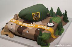 Green Beret Graduation | Sweet Flamingo Cake Co.  www.sweetflamingo.com