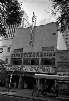 Curiosidade ... Cine Arizona, na Avenida Rio Branco nº 49, em 1969. Fundado em 1963, o Cine Arizona virou Cine América em 1977 e passou a exibir filmes pornográficos até desaparecer. Foto de Camerindo F. Máximo. // Relação de Cinemas Antigos de Rua do Brasil em atividade nos anos 60