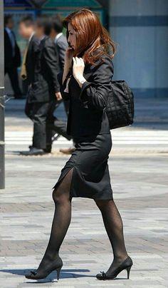 Pantyhose Outfits, Pantyhose Legs, Beautiful Legs, Beautiful Asian Girls, Gorgeous Women, Killer Legs, Halter Mini Dress, Thing 1, Black Stockings