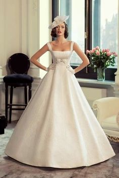 I'd go with a different veil, but i love this gown