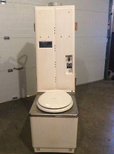 $800 (по объявлению в Канаде)  Storburn Propane Toilet Belleville Belleville Area image 1