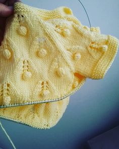 Crochet For Kids Crochet Baby Drawstring Backpack Crochet Fashion Diy Crafts Baby Knitting Baby Kids Reusable Tote Bags Crochet Patterns Leaf Knitting Pattern, Easy Knitting Patterns, Knitting Stitches, Knitting Designs, Knitted Baby Cardigan, Baby Pullover, Baby Hats Knitting, Knitted Hats, Crochet For Kids