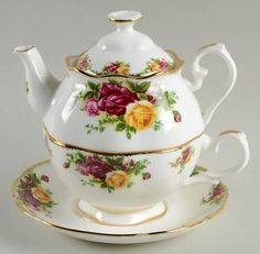Royal Albert Old Country Roses Individual Teapot & Cup with Saucer Set