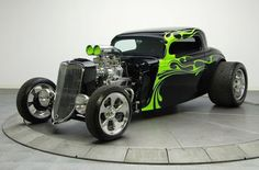 amazing work Ford Coupe hot rod) The Green Flames make this rod gives it a twisted attitude! Hot Rods, Chevrolet Bel Air, Classic Hot Rod, Classic Cars, Carros Hot Rod, Hot Rod Autos, Vintage Cars, Antique Cars, Car Guide