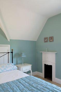 http://us.farrow-ball.com/green-blue/paint colours/farrow-ball/fcp-product/100084