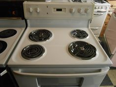Appliance City - HOTPOINT ELECTRIC RANGE 30 INCH FREE STANDING  COIL BURNERS 2 LARGE 2 SMALL DIGITAL CLOCK  STORAGE DRAWER WHITE NICE APARTMENT SIZE , $249.00 (http://www.appliancecity.info/hotpoint-electric-range-30-inch-free-standing-coil-burners-2-large-2-small-digital-clock-storage-drawer-white-nice-apartment-size/)