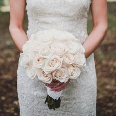 Blush rose bouquets are a staple for classically romantic wedding, and they'll never go out of style. Xoxo @weddingchicks #bouquet #rose #wedding #love