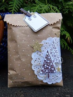 Barbaras Kreativ-Studio – Stampin'Up! Demonstratorin in Wien – Midnight Crafting with Angela Bodas Barbaras Kreativ-Studio – Stampin'Up! Demonstratorin in Wien Barbaras Kreativ-Studio Homemade Christmas Cards, Christmas Gift Bags, Christmas Gift Wrapping, Simple Christmas, Christmas Crafts, Christmas Decorations, Christmas Christmas, Tree Decorations, Christmas Packages