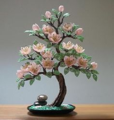 Discover thousands of images about Artificial bonsai tree. Beaded Crafts, Wire Crafts, Diy And Crafts, Nylon Flowers, Clay Flowers, Plantas Bonsai, French Beaded Flowers, Bonsai Art, Wire Trees