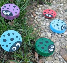 Ladybug Lids..cute idea for any lid and then put them in the #garden...just paint the lids that are not plain and u can use larger lids from jelly jars too :)