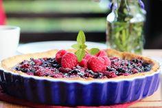 Blåbær- og bringebærterte Frisk, Acai Bowl, Raspberry, Baking, Breakfast, Desserts, Recipes, Food, Pai