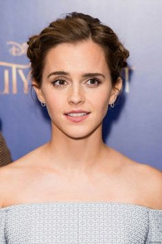 """Emma Watson Photos Photos - Emma Watson attends the UK Launch Event of """"Beauty And The Beast"""" at Odeon Leicester Square on February 2017 in London, England. - 'Beauty and the Beast' - UK Launch Event at Odeon Leicester Square - Red Carpet Arrivals Emma Watson Belle, Photo Emma Watson, Hermione Granger, Emma Watson Beautiful, Emma Watson Sexiest, Emma Watson Beauty And The Beast, Maquillage Emma Watson, Hollywood Actresses, Actors & Actresses"""