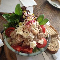 Gesunder und leckerer Salat bei Supper & Salat in Prenzlauer Berg | creme berlin