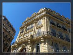 Marseille... près du Vieux Port...  http://mistoulinetmistouline.eklablog.com http://www.lulu.com/spotlight/IsabelleEscapade http://www.my-art.com/isabelle-escapade/collections/provence