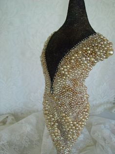 """Pearl"" an amazing mosaic pearl sculpture."