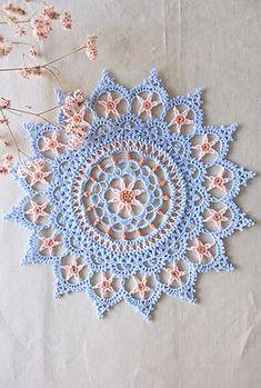 HAZEL* Crochet World Crochet World, Crochet Home, Crochet Crafts, Crochet Projects, Motif Mandala Crochet, Free Crochet Doily Patterns, Crochet Designs, Crochet Dollies, Crochet Flowers