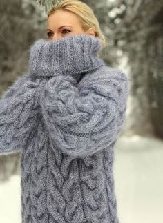 GREY Hand Knitted Mohair Sweater Fuzzy Handgestrickte Thick Jumper in. Loose Knit Sweaters, Thick Sweaters, Mohair Sweater, Cozy Sweaters, Sweaters For Women, Casual Sweaters, Chunky Knitting Patterns, Crochet Cardigan Pattern, Hand Knitting