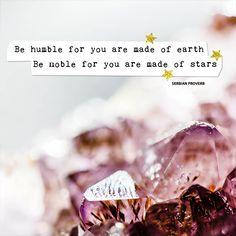 Amethist is een steen met veel spirituele eigenschappen. Als kristal met schitterende facetjes of gladgeslepen helpt deze steen je volgens kenners om tot rust te komen en naar je innerlijke weten te luisteren. Heel geschikt dus als je je intuïtie wilt ontwikkelen, je hoofd helder wilt maken of inzichten wilt opdoen.
