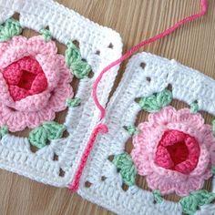 Motif birleştirme ❤ Mutlu akşamlar #örgü#tigisi#tığişi#elisi#elişi#knit#knitting#knittersofinstagram#crochet#crocheting#crochetlover#crochetaddict#yarn#yarnaddict#bebekbattaniyesi#battaniye#blanket#babyblanket#sipariş#order