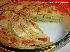 Fennel and potato pie with mozzarella flakes Light Recipes, Wine Recipes, Vegan Recipes, Cooking Recipes, Fruit Soup, Good Food, Yummy Food, Antipasto, Potato Recipes