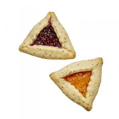 These buttery cookies are usually made to celebrate Purim, a late-winter Jewish holiday. But we love Hamantaschen cookies all year round! Best Holiday Cookies, Holiday Cookie Recipes, Xmas Cookies, No Bake Cookies, Thanksgiving Recipes, Purim Recipe, Vegetarian Eggs, Buttery Cookies, Crinkle Cookies