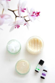 10 DIY beauty made from coconut oil Diy Beauty Care, Natural Beauty Tips, Beauty Make Up, Beauty Hacks, Diy Beauté, Homemade Beauty Recipes, Tips & Tricks, Healthy Beauty, Salon Design