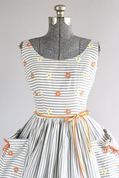 Vintage 1950s Dress / 50s Cotton Dress / Dorothy Lee Inc Miami Black and White Striped Dress w/ Embroidered Flowers XS/S