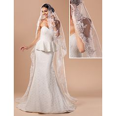 *Ivory* Gorgeous One-tier Cathedral Wedding Veil With Lace Applique Edge - USD $ 29.99