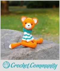 EDITOR'S CHOICE (10/13/2015) Fox in a sweater by Kristi View details here: http://crochet.community/creations/3770-fox-in-a-sweater