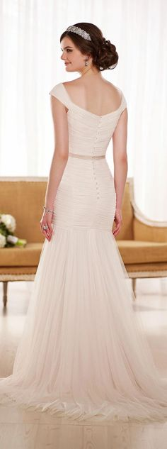 My love of Essense of Australia wedding dresses has been well documented on this blog, and like other true and great loves, with each season my affection continues to grow even greater than I thought possible! Today I'm delighted to present a Special Preview of Essense of Australia Fall 2015, a line designed to give read more...