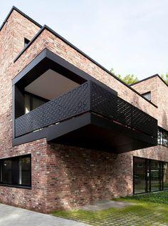 Balcony Grill Design, Balcony Railing Design, Modern Brick House, Modern House Design, Brick Facade, Facade House, Brick Architecture, Architecture Details, Facade Design
