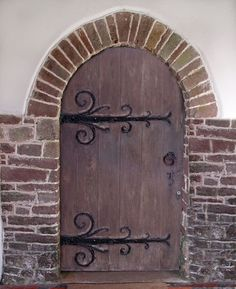Image detail for -Need Castle door decoration help w/ picture - A to Z Teacher Stuff . Castle Theme Classroom, Classroom Themes, St Brides, Castle Doors, Theater, Romeo Y Julieta, Knight In Shining Armor, Vacation Bible School, Stage Set