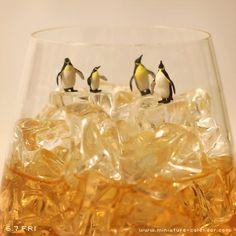 """""""Whiskey""""  http://miniature-calendar.com/130607/"""