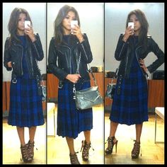 liquica-plaid-tartan-blue-punk-pose-outfit