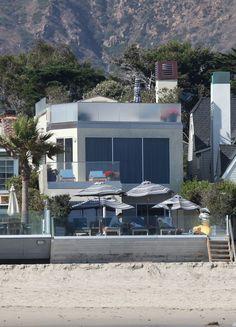 Jim Carrey (Malibu, CA) The Malibu beach home of Jim Carrey.