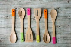 Housewarming Gift Ideas - Paint Dipped Spoon Set #Housewarming  | At River City Mortgage, we're committed to funding your dreams. Contact us today- rchomeloans.com