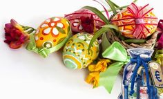 Easter 2015 Eggs Images pictures Baskets egg hunt Easter crafts Easter quotes decorations and recipes Coloring pages cupcakes Easter Sunday holiday. Easter Egg Basket, Easter Table, Easter Eggs, Hoppy Easter, Ostern Wallpaper, Happy Easter Sunday, Origami, Easter Specials, Easter 2014