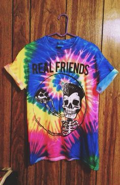 real friends tee>>> I want this so baddd Emo Outfits, Summer Outfits, Casual Outfits, Cute Outfits, Batman Outfits, Rock Outfits, Summer Clothes, Pop Punk Fashion, Fashion Teens