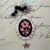 Vaaleanpunainen hibiskus mustalla pohjalla 20€