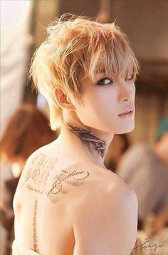 Jaejoong. Blonde. - Imgur~~*fans self*
