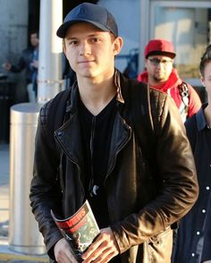 [NEW] Tom arriving at JFK airport in NYC today to attend the premiere of 'The Lost City of Z'! - @tomholland2013 #tomholland #spiderman #peterparker #spidermanhomecoming
